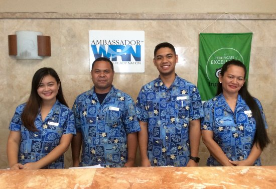 Fiesta Resort & Spa Saipan: Fiesta's friendly front desk staff