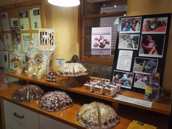 Mount Franklin, Australia: Chocolates for purchase