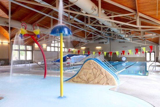 Sunriver, Oregón: Aquatics  I  Wading Pool  I  Indoor Surfing
