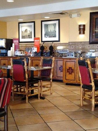 Hampton Inn Kayenta : Hot breakfast bar