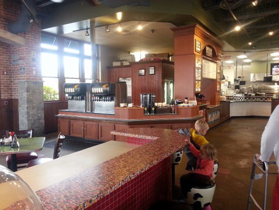 Glendale Heights, IL: dining area, soda fountain and jelly bean counter at Buona
