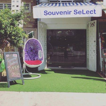 Souvenir Select