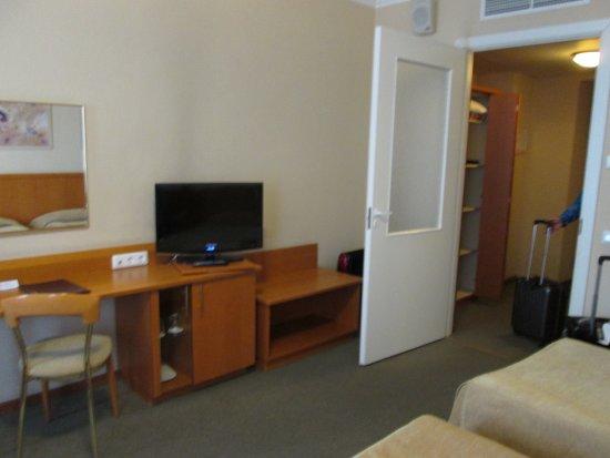 Oktyabrskaya Inn : 客室は階層されて快適です