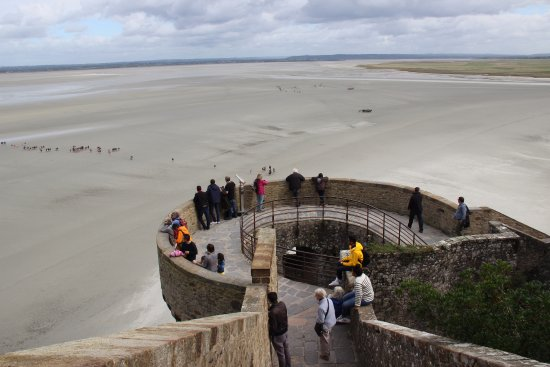 Tour du nord billede af tour du nord mont saint michel for Location garage tours nord