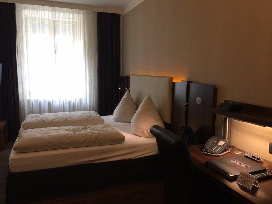 Hotel Deutsche Eiche Photo