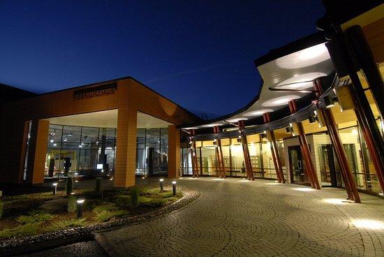 Eurajoki, Finlandia: Front side of Visitor centre in evening