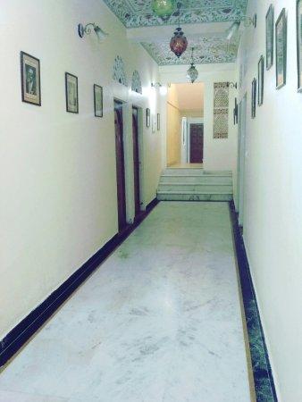 Bharat Mahal Palace : IMG_20171019_210841_large.jpg
