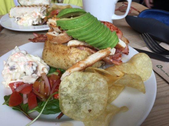 Curious Cafe: Chicken, Bacon and Avocado jacket potato- delicious 👍🏻