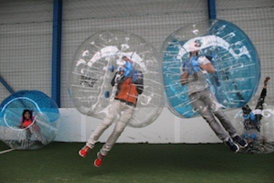 Cambounet-Sur-le-Sor, Frankrig: L'activité phare de L'Aréna : le Bubble Bump