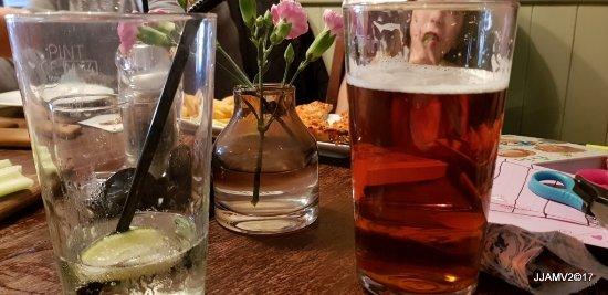 Cheddington, UK: Guiness, Soda& Lime, Boltmaker