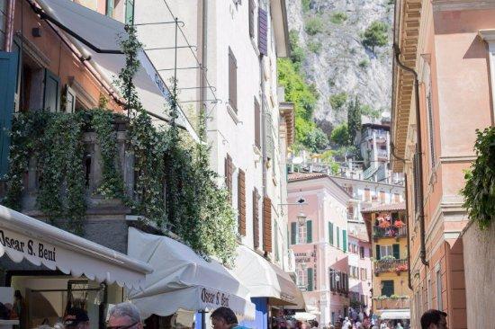 Hotel Limone Bar Restaurant Limone Sul Garda Bs Italien