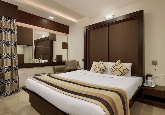 Inder Residency : Deluxe Room for a Business Travller