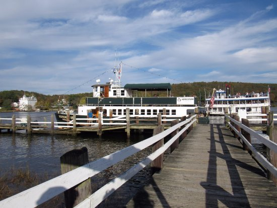 Haddam, CT : MV Adventure