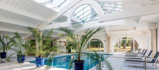 Domaine de fompeyre hotel bazas france voir les for Piscine desjoyaux bazas