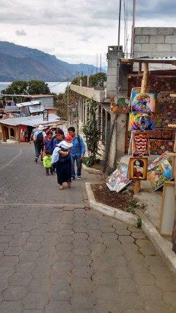 Lake Atitlan: En el fondo se ve el hermoso lago