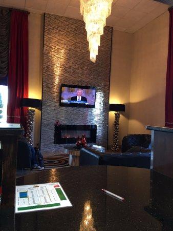 Ramada Murfreesboro: Lobby Sitting Area