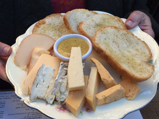Marion Hose Bar: A nice sampling of cheese to compliment you beer tasting!