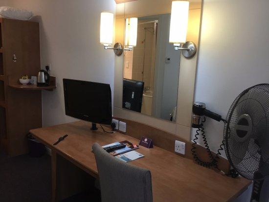 Premier Inn Eastbourne Hotel: Room View.