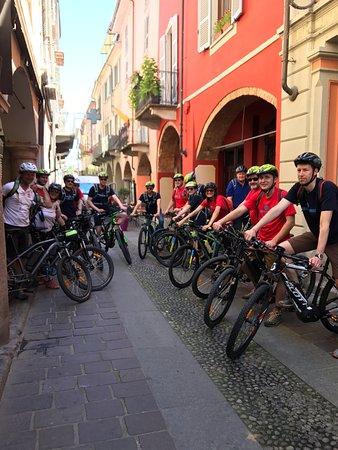 Nizza Monferrato, อิตาลี: team building with e-bikes