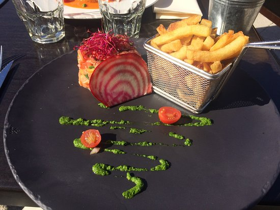Biot, Frankrike: Tartare de saumon aux agrumes