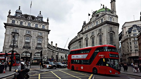 oxford street  london  england   top tips before you go