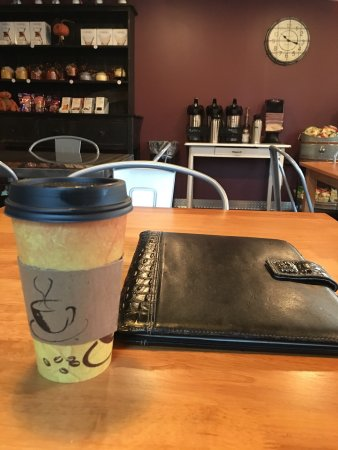 Mattoon, IL: Great spot for a meeting, quick coffee, and quiet thought. I'm from out of town, and this is a g