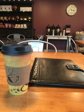 แมตตูน, อิลลินอยส์: Great spot for a meeting, quick coffee, and quiet thought. I'm from out of town, and this is a g