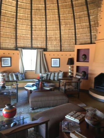 Hoyo-Hoyo Safari Lodge: Salon déténte