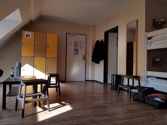 """wombats CITY HOSTEL Vienna """"THE NASCHMARKT"""": 6-beds ladies room"""