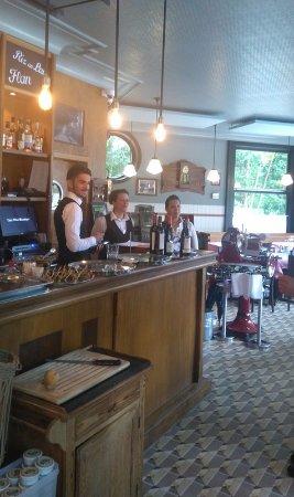 Rhode-Saint-Genese, Bélgica: le bar