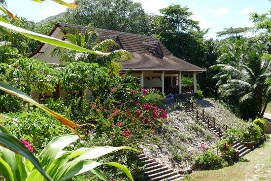 Villas Du Voyageur: Seitenansicht auf das Hotel