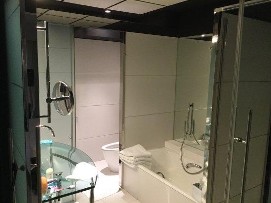 โรงแรมฮิลตัน มาดริด แอร์พอร์ท: photo0.jpg