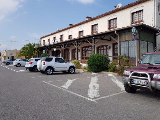 Lezignan-Corbieres, Frankrijk: Le parking
