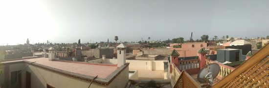 Riad Gallery 49 : View of city from rooftop