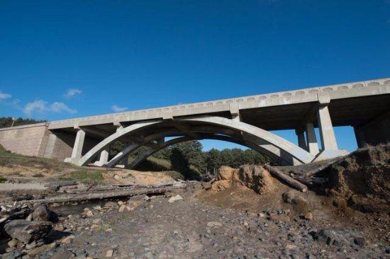 Otter Rock, OR: highway bridge