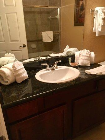 Tuscana Resort Orlando by Aston : Main bathroom