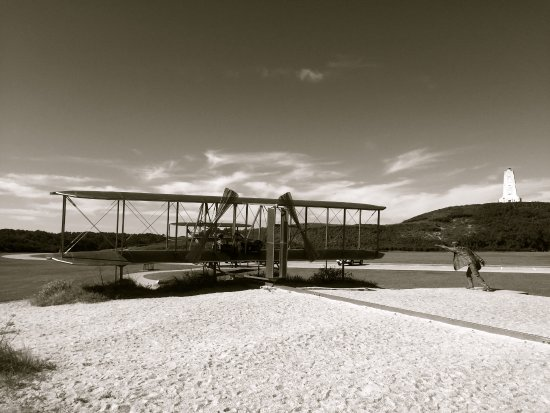 Wright Brothers National Memorial: Bronze statues and plane recreating the iconic photo