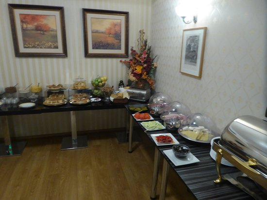 Hotel  Studio: breakfast buffet