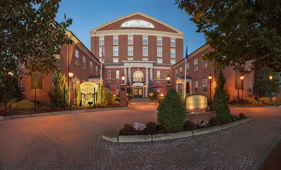 Middletown, CT: Historic hotel located 2 blocks from Wesleyan University