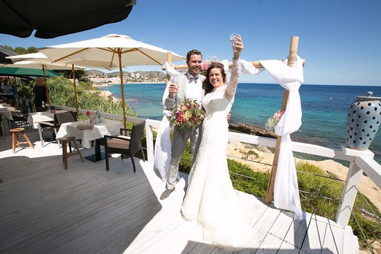 Blue Waterfront Amazing Wedding Venue