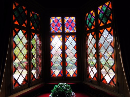 Woodstock, CT: Very colorful stained glass