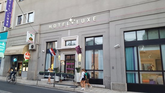 Hotel Luxe Photo