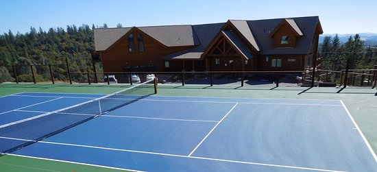 Murphys, CA: Upper tennis couirt