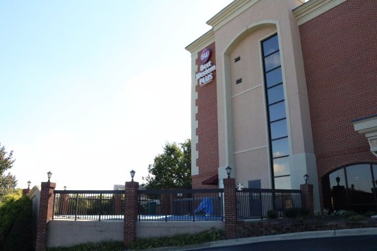 Best Western Plus Greensboro Airport Hotel: Your comfort comes first at the Greensboro Airport Hotel.
