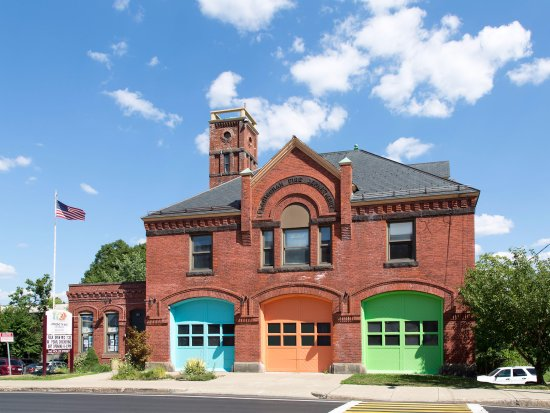 Framingham, MA: Amazing Things Art Center is in a renovated firehouse
