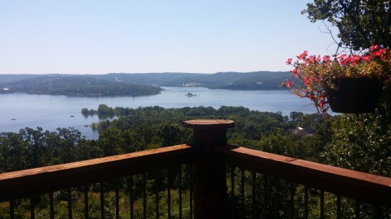 Blue Eye, MO : View over Table Rock Lake from the Couple's Cove Balcony