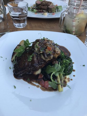 Alfresco's Restaurant and Bar: Bourbon aged steak