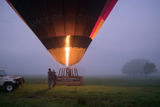 Tyagarah, Australia: Getting ready for takeoff with Byron Bay Ballooning