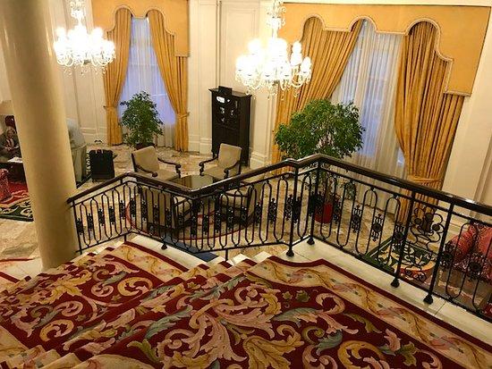 Carlton Hotel Image