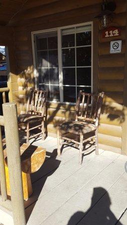 Zion River Resort: Inviting Porch